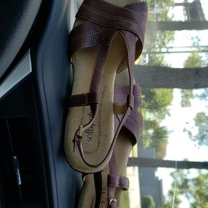 Softspots brown leather sandals